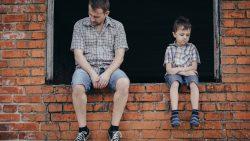 Как да помогнем на детето да преодолее раздялата между родителите