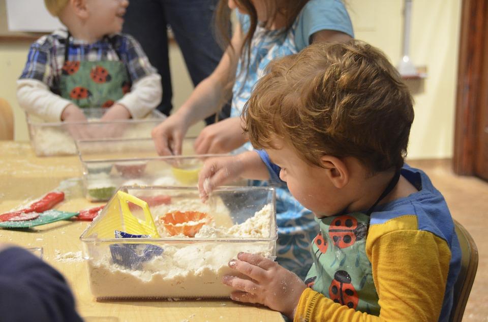 Сензорна преработка на информацията при деца с нарушения от аутистичния спектър