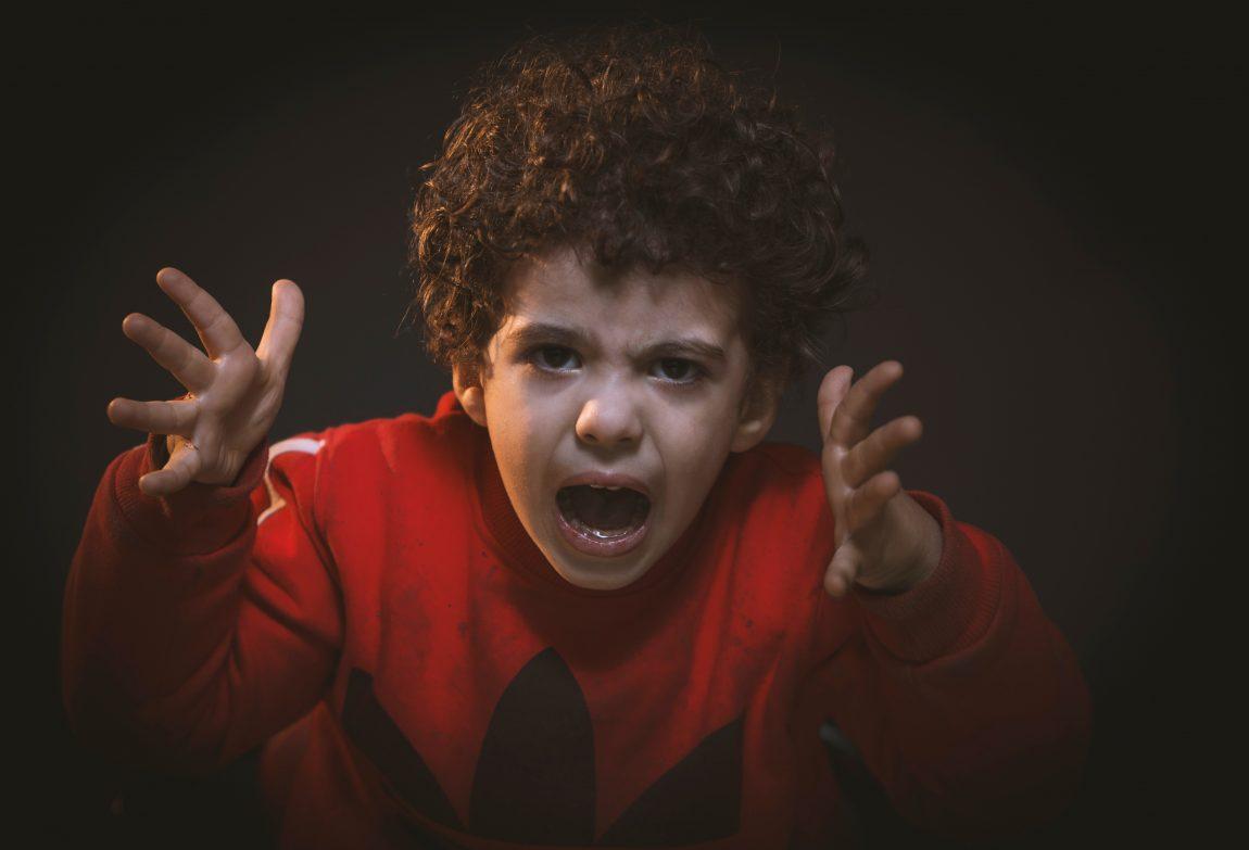 Как да помогнем на детето в предучилищна възраст да се справи с емоциите си и да избегне избухванията